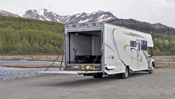 Alaska rv motorhome rentals clippership anchorage for Toy hauler motor homes